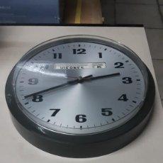Relojes: RELOJ DE PARED PETER. Lote 207229216
