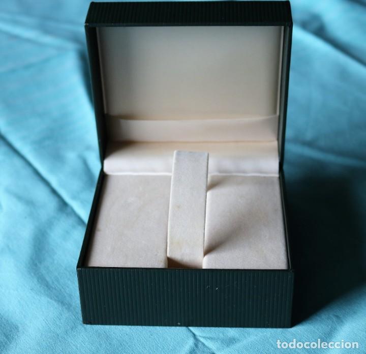 Relojes: Caja de reloj de Gucci, libreta y tarjeta de garantía.Gucci watch box with garanty and leaflet . - Foto 5 - 190999866