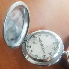 Relojes: RELOJ DE BOLSILLO RUSO MARCA MOLNIJA CON SEGUNDERO A LAS 9 HORAS CON CAJA DE ACERO Y REPUJADA. Lote 191298983