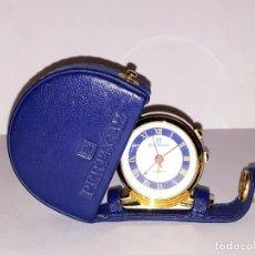 Relojes: PERTEGAZ. RELOJ DE VIAJE. DESPERTADOR. FUNDA PIEL AZUL. NUEVO. Lote 193937477