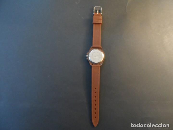Relojes: RELOJ SEÑORA CORREA CAUCHO CHOCOLATE Y ACERO. GIORGIE VALENTIAN. ESFERA MARRON. SIGLO XXI - Foto 4 - 193955188