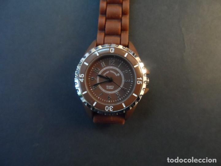 Relojes: RELOJ SEÑORA CORREA CAUCHO CHOCOLATE Y ACERO. GIORGIE VALENTIAN. ESFERA MARRON. SIGLO XXI - Foto 5 - 193955188