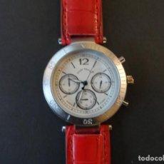 Relojes: RELOJ CORREA CUERO ROJO Y ACERO MATE. LOUIS VALENTIN. ESFERA BLANCA. SIGLO XXI. Lote 194288537