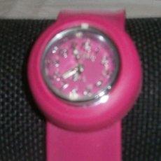 Relojes: RELOJ AJUSTABLE CON CORREA DE GOMA. Lote 194971997