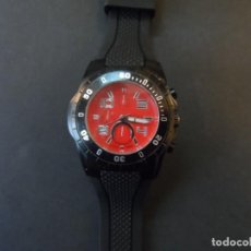 Relojes: RELOJ CORREA CAUCHO NEGRA Y ACERO NEGRO. GIORGIE VALENTIAN. ESFERA ROJA. SIGLO XXI. Lote 195304767