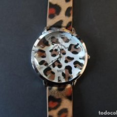 Relojes: RELOJ CORREA LEOPARDO PLASTIFICADA Y ACERO. GIORGIE VALENTIAN. CRISTAL FACETADO. QUARTZ. SIGLO XXI. Lote 195716981