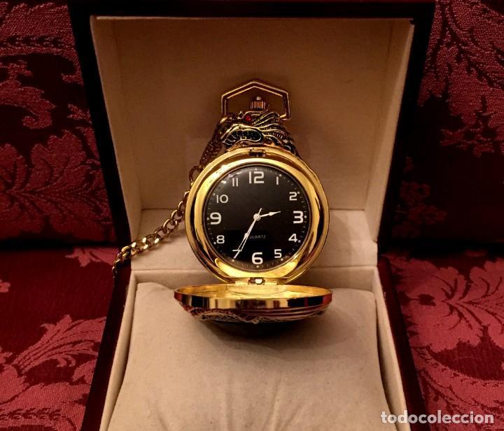Relojes: RELOJ DE BOLSILLO CON LEONTINA CHAPADO EN ORO/PLATA CON DRAGÓN CHINO. - Foto 4 - 197481317
