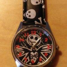 Relojes: RG 19 RELOJ MUÑECA CALAVERAS - POR ESTRENAR - SIN PILA - DIÁMETRO 4CM. Lote 199386601