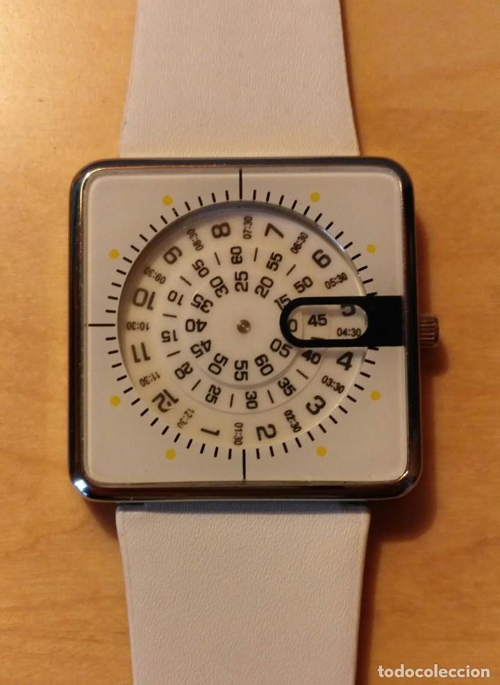 Relojes: Rg 20 Reloj muñeca blanco - Por estrenar - Sin pila - Cuadrado 4cm x 4cm - Foto 2 - 199387848
