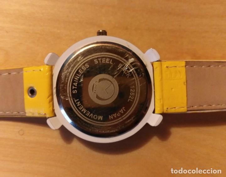 Relojes: Rg 21 Reloj muñeca amarillo con esfera rombos - Por estrenar - Sin pila - Cuadrado 4cm x 4cm - Foto 3 - 199388911