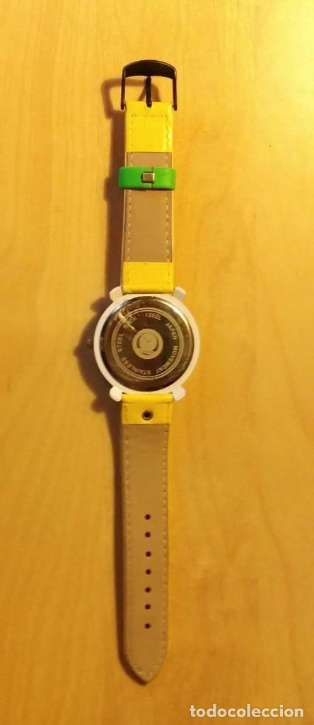 Relojes: Rg 21 Reloj muñeca amarillo con esfera rombos - Por estrenar - Sin pila - Cuadrado 4cm x 4cm - Foto 4 - 199388911