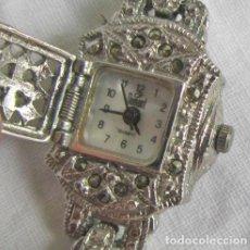 Relojes: RELOJ DE SEÑORA DUMONT, METAL CON MARCASITAS, ELÉCTRICO, FUNCIONANDO, PUERTA DE CIERRE CON MUELLE. Lote 204054057