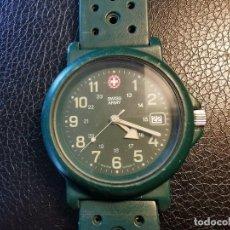 Relojes: RELOJ MILITAR SWISS ARMY, CALENDARIO, CORREA DE PLASTICO - FUNCIONANDO. Lote 206353733