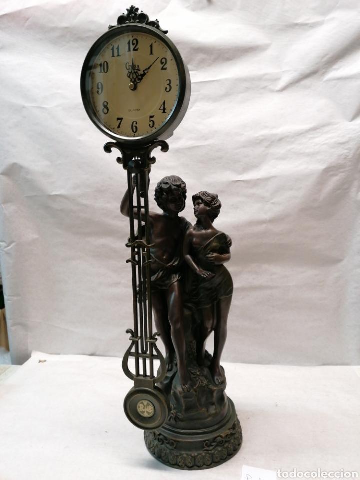 FIGURA CON RELOJ (Relojes - Relojes Actuales - Otros)