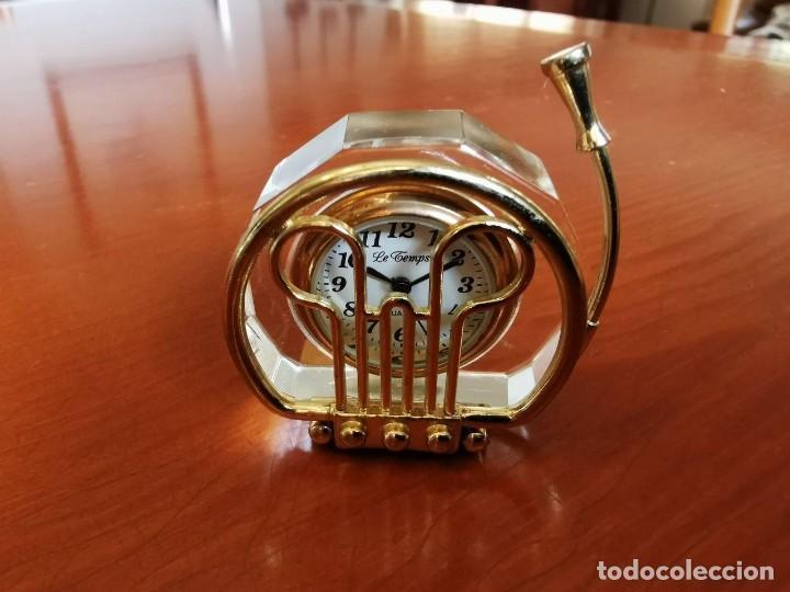 RELOJ EN FORMA DE TUBA DE COLECCION EN MINIATURA LE TEMPS (Relojes - Relojes Actuales - Otros)