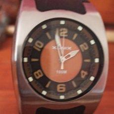 Relojes: RELOJ XONIX 100M CUARZO BATERÍA LHITIUM GR2016 FUNCIONA PERFECTO. Lote 213240743