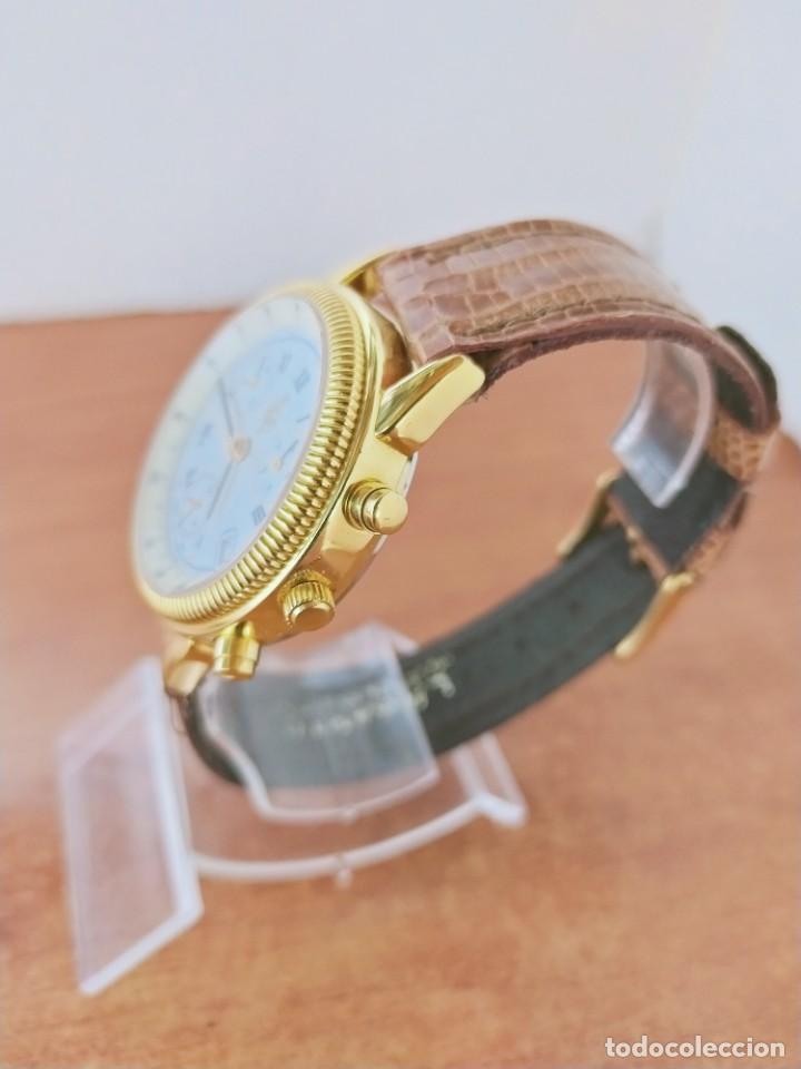 Relojes: Reloj caballero Royal GEOGRAPHICAL, cuarzo, cuatro bobinas, crono, caja chapada oro, corona rosca. - Foto 6 - 213428945