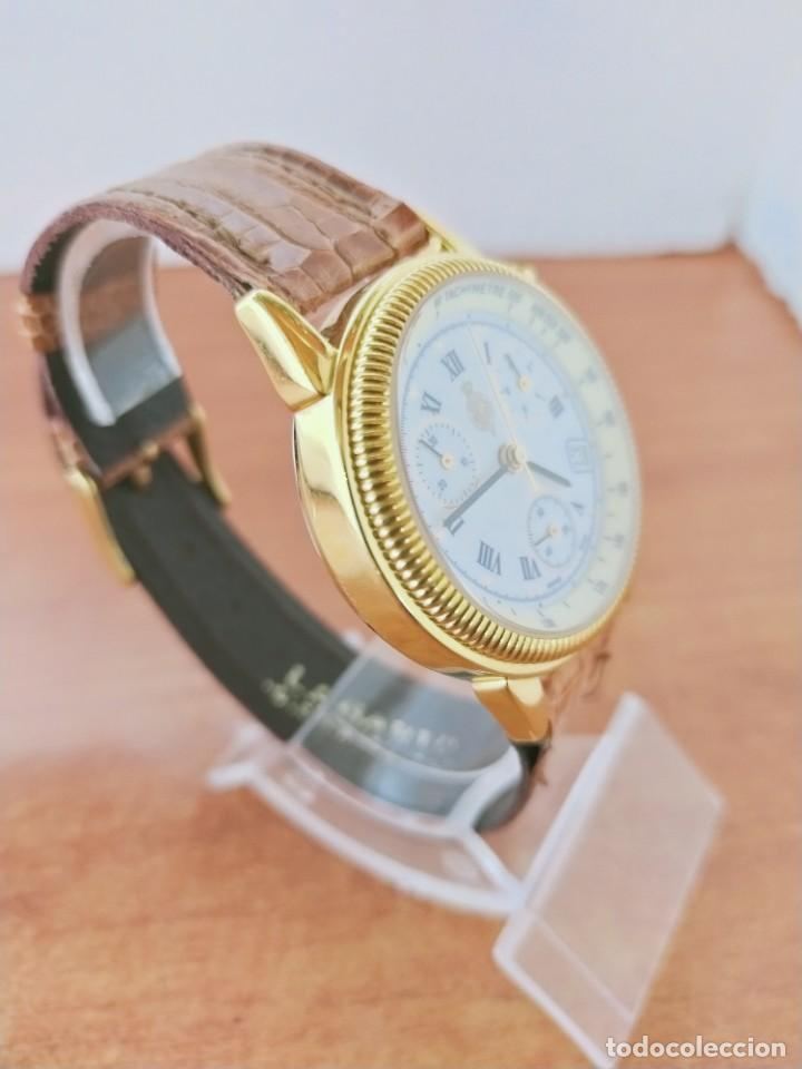 Relojes: Reloj caballero Royal GEOGRAPHICAL, cuarzo, cuatro bobinas, crono, caja chapada oro, corona rosca. - Foto 7 - 213428945