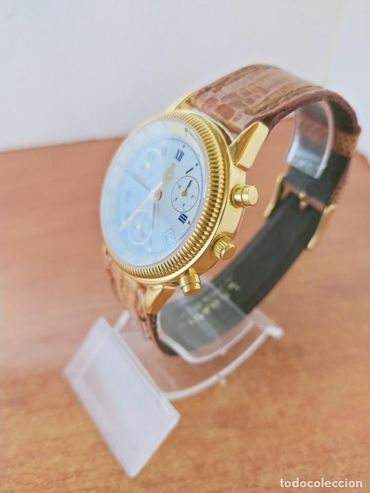 Relojes: Reloj caballero Royal GEOGRAPHICAL, cuarzo, cuatro bobinas, crono, caja chapada oro, corona rosca. - Foto 12 - 213428945