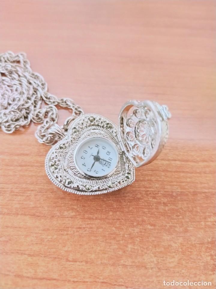 Relojes: Reloj de colgar 3M cuarzo acero, doble tapa con piedras malaquita, cadena para colgar, nuevo sin us - Foto 2 - 213430066