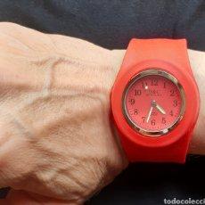 Relojes: RELOJ MARCA D&C DAVID CLOCK EN CAUCHO CORREA BRAZALETE ADAPTABLE . AÑOS 90 .. Lote 218483917
