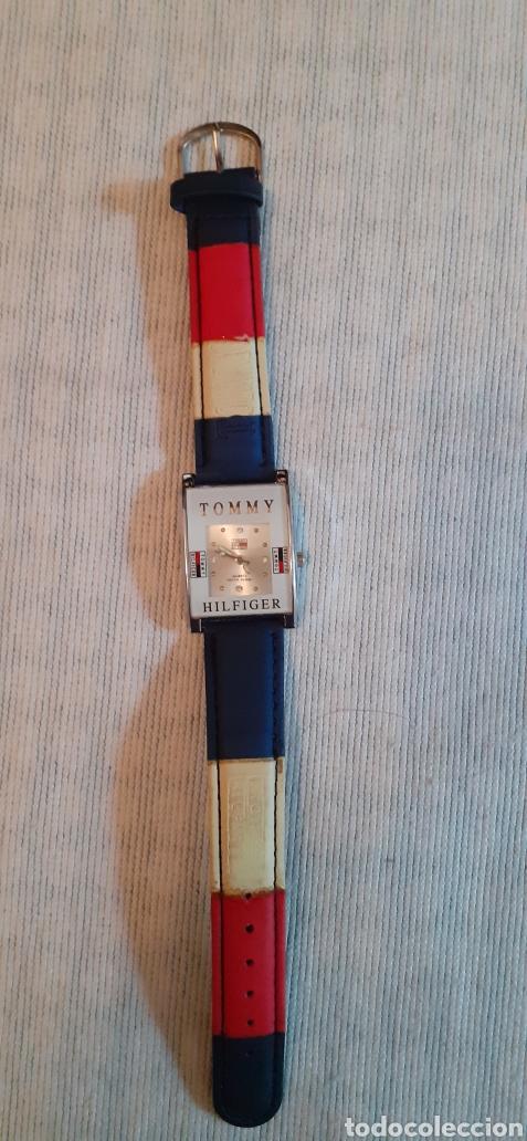 RELOJ TOMMY HILFINGER, FUNCIONANDO (Relojes - Relojes Actuales - Otros)