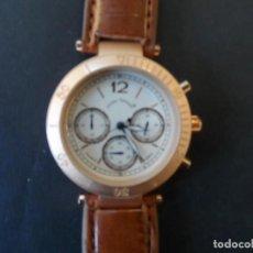 Relojes: RELOJ CORREA CUERO O POLIPIEL MARRON Y ACERO ORO ROSA.GIORGIE VALENTIAN. ESFERA BLANCA. SIGLO XXI. Lote 232199910