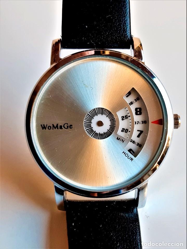 CURIOSO Y RARO RELO WOMAGE - CAJA DE 36.CM DIAMETRO (Relojes - Relojes Actuales - Otros)