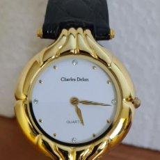 Relojes: RELOJ UNISEX MARCA CHARLES DELON CHAPADO ORO, ESFERA BLANCA, CORREA DE CUERO NEGRA NUEVA SIN USO.. Lote 243186885