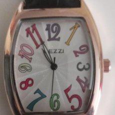 Relojes: PRECIOSO RELOJ RECTANGULAR KEZZI MUJER NÚMEROS DE COLORES NUEVO. Lote 243268705