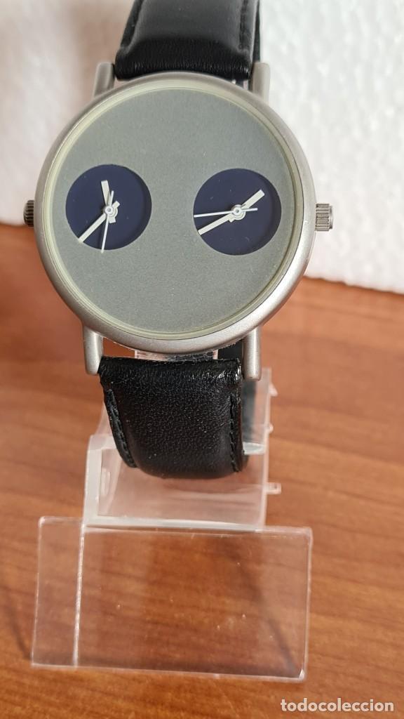 Relojes: Reloj unisex cuarzo GRUS acero, esfera en gris, con dos subesferas negras, correa cuero negra nueva. - Foto 11 - 243624500
