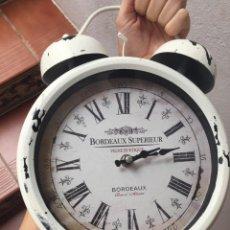 Relojes: GRAN RELOJ DESPERTADOR MUY DECORATIVO. Lote 244449595