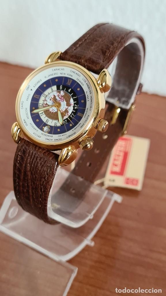 Relojes: Reloj unisex KALTER acero chapado de oro en cuarzo, esfera hora mundial, correa marrón nueva sin uso - Foto 10 - 244753850