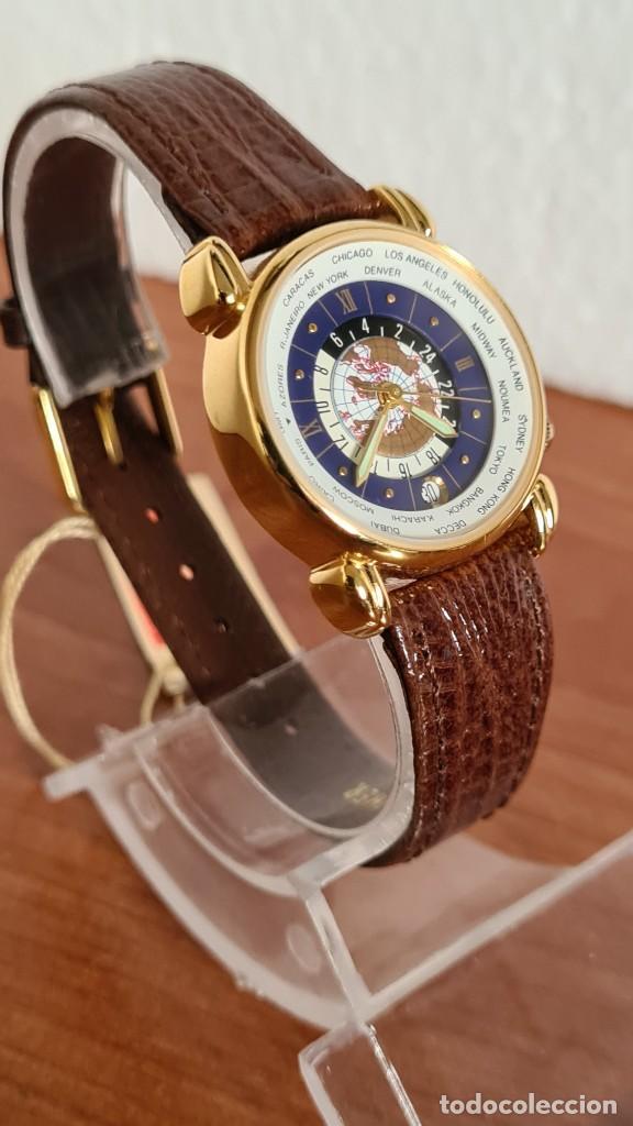 Relojes: Reloj unisex KALTER acero chapado de oro en cuarzo, esfera hora mundial, correa marrón nueva sin uso - Foto 11 - 244753850