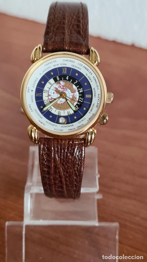 Relojes: Reloj unisex KALTER acero chapado de oro en cuarzo, esfera hora mundial, correa marrón nueva sin uso - Foto 12 - 244753850