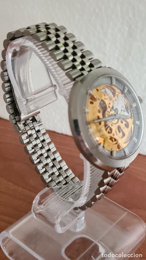 Relojes: Reloj caballero automático REVUE, maquina vista, esfera azul, agujas acero con luminiscente, caja ac - Foto 7 - 244759565