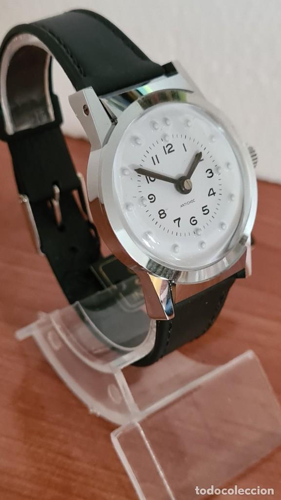 Relojes: Reloj (Vintage) de cuerda BASSEL de cuerda para invidente, acero, esfera blanca en braille, correa. - Foto 3 - 244790465