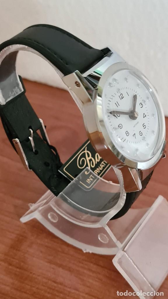 Relojes: Reloj (Vintage) de cuerda BASSEL de cuerda para invidente, acero, esfera blanca en braille, correa. - Foto 5 - 244790465