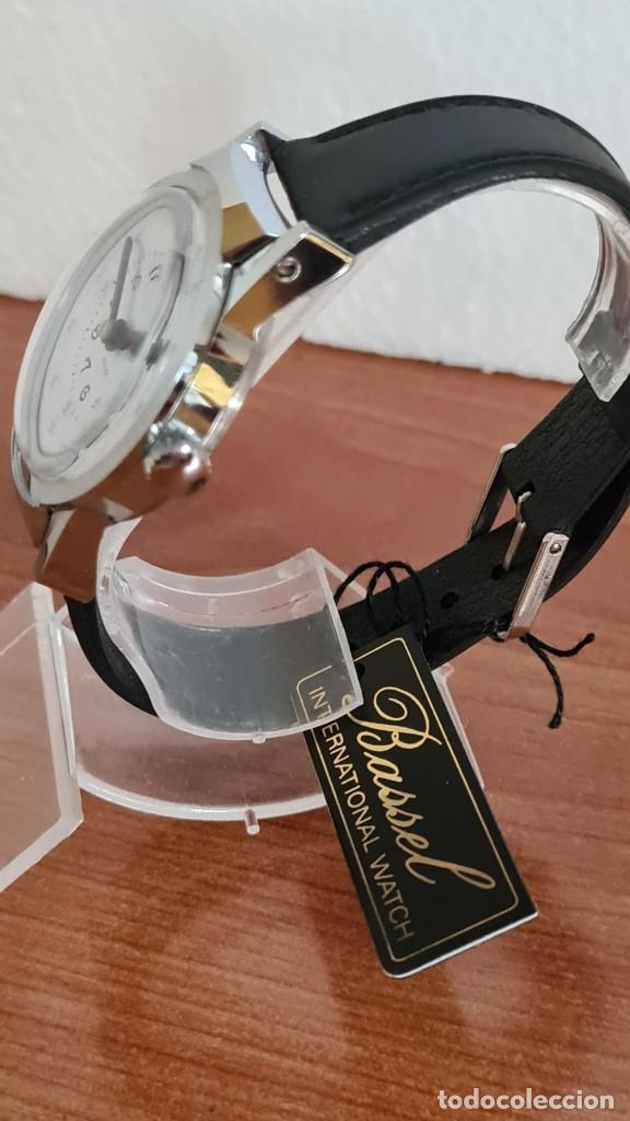 Relojes: Reloj (Vintage) de cuerda BASSEL de cuerda para invidente, acero, esfera blanca en braille, correa. - Foto 6 - 244790465