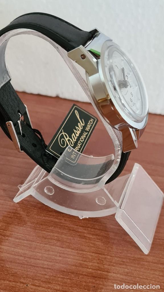 Relojes: Reloj (Vintage) de cuerda BASSEL de cuerda para invidente, acero, esfera blanca en braille, correa. - Foto 7 - 244790465