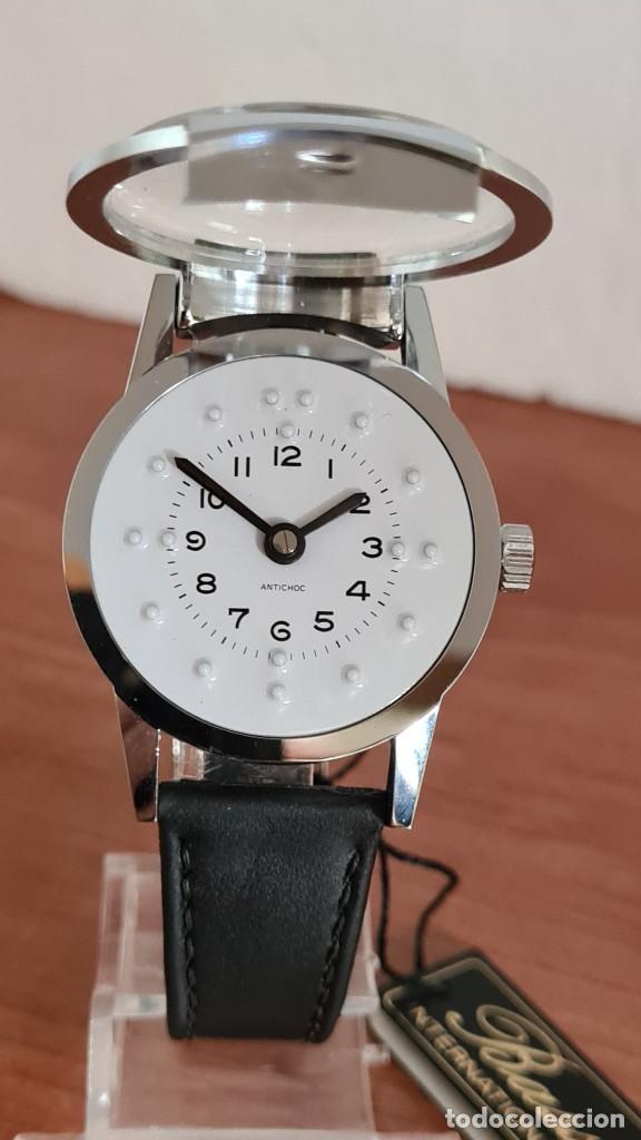 Relojes: Reloj (Vintage) de cuerda BASSEL de cuerda para invidente, acero, esfera blanca en braille, correa. - Foto 12 - 244790465