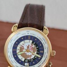 Relojes: RELOJ UNISEX KALTER ACERO CHAPADO DE ORO EN CUARZO, ESFERA HORA MUNDIAL, CORREA MARRÓN NUEVA SIN USO. Lote 244793515