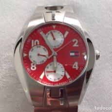 Relojes: HERMOSO RELOJ TOMMY HILFIGER QUARTZ ORIGINAL FUNCIONANDO. Lote 245623240