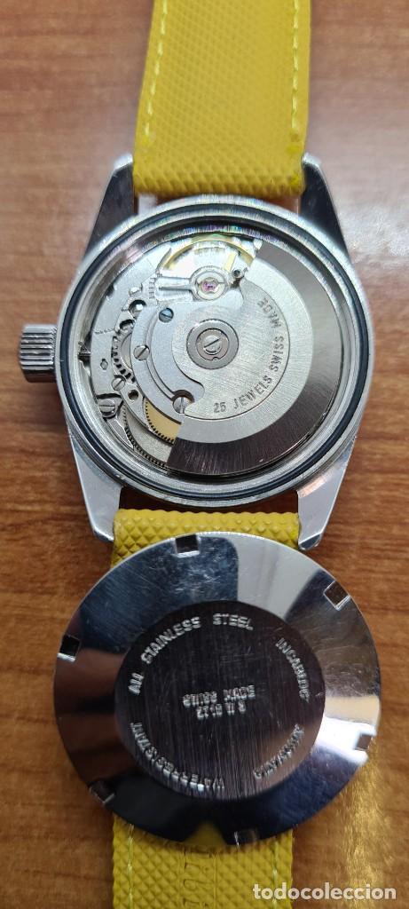 Relojes: Reloj caballero (Vintage) PIERRE DENILL automático acero, esfera color oro, calendario tres correa. - Foto 15 - 255422870