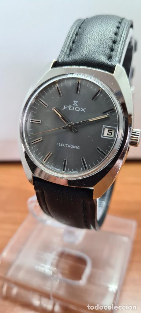 Relojes: Reloj caballero de cuarzo EDOX electronico en acero, esfera gris, calendario las tres, correa cuero. - Foto 2 - 255428955
