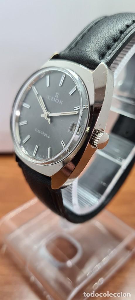 Relojes: Reloj caballero de cuarzo EDOX electronico en acero, esfera gris, calendario las tres, correa cuero. - Foto 6 - 255428955