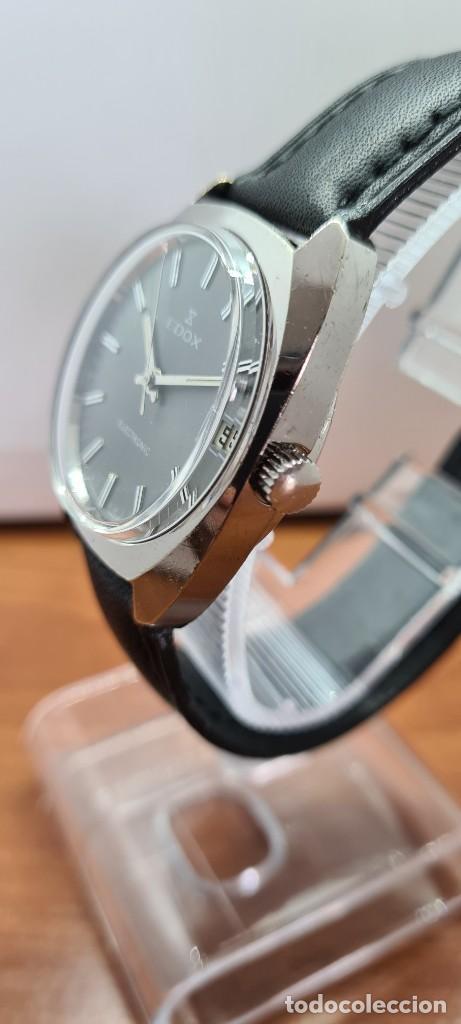 Relojes: Reloj caballero de cuarzo EDOX electronico en acero, esfera gris, calendario las tres, correa cuero. - Foto 8 - 255428955