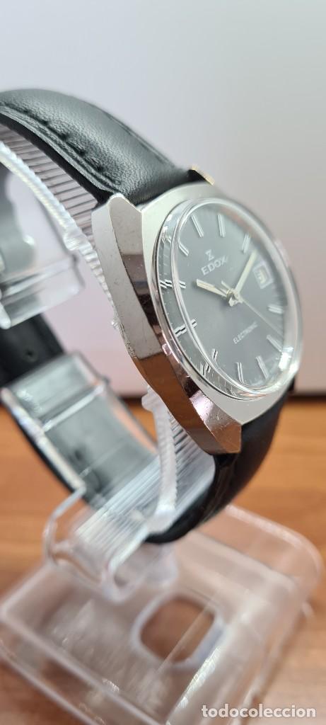 Relojes: Reloj caballero de cuarzo EDOX electronico en acero, esfera gris, calendario las tres, correa cuero. - Foto 9 - 255428955