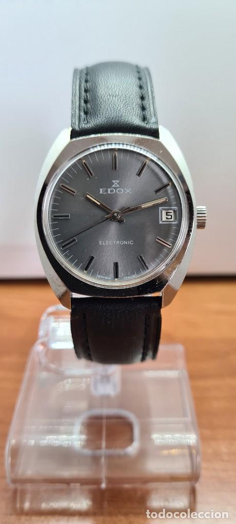 Relojes: Reloj caballero de cuarzo EDOX electronico en acero, esfera gris, calendario las tres, correa cuero. - Foto 12 - 255428955