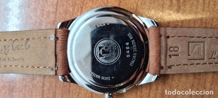 Relojes: Reloj TIME FORCE acero de cuarzo, esfera blanca, agujas amarillas, correa de cuero original marrón. - Foto 17 - 255436420